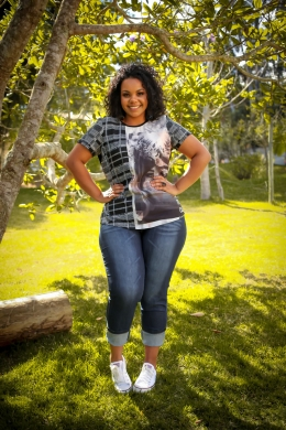 T SHIRT MISTERIOUS | CALÇA JEANS FIVE POCKETS